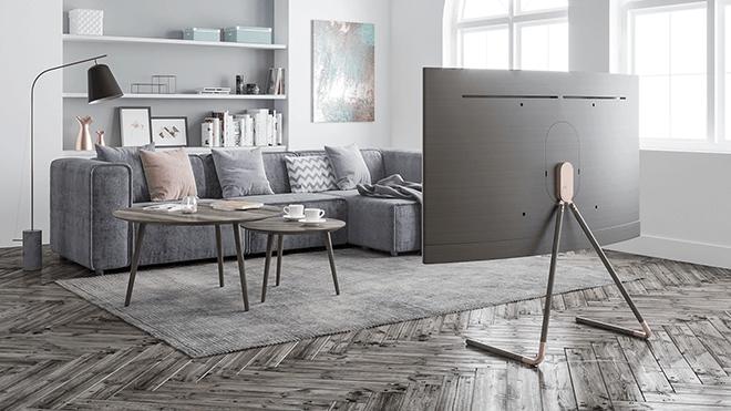 El estudio sevillano Tharsis llega a la final del concurso internacional de un soporte de diseño para los televisores Samsung QLED TV