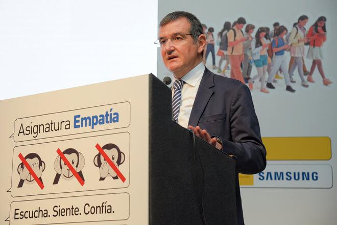 """Con """"Asignatura Empatía"""" de Samsung, la realidad virtual se une a la lucha contra el acoso escolar"""