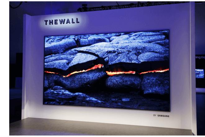 """""""The Wall"""" es el primer televisor modular de Samsung con MicroLED del mundo"""