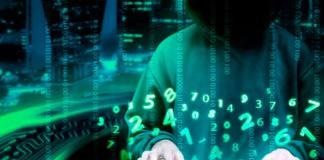 Foto de un cibercriminal atacando es uno de los riesgos de las criptomonedas