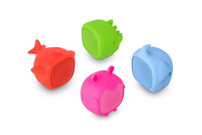 SPC Sound Pups está disponible en cuatro colores y formas diferentes: ratón (rosa), avión (rojo), elefante (azul) o dinosaurio (verde)