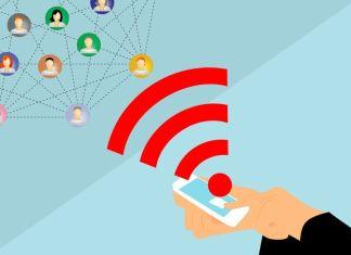 Vectores de un celular transmitiendo