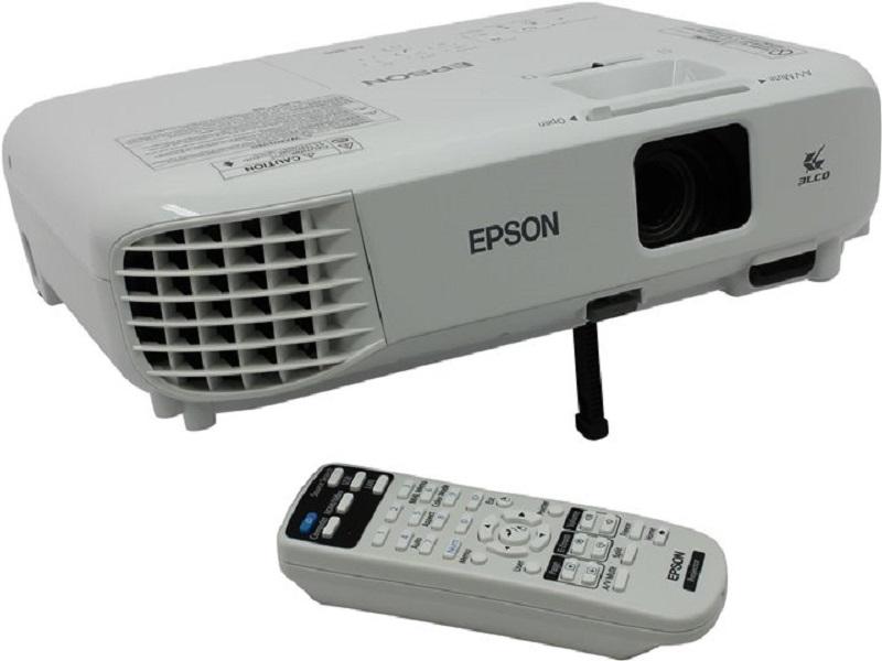 Epson EB-S05, un proyector SVGA de buena calidad