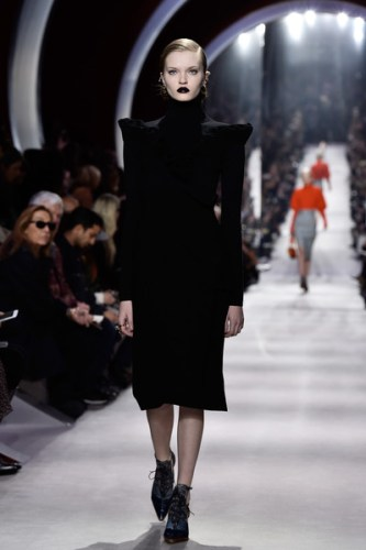 Christian+Dior+Runway+Paris+Fashion+Week+Womenswear+4V00pSh9Q8kl