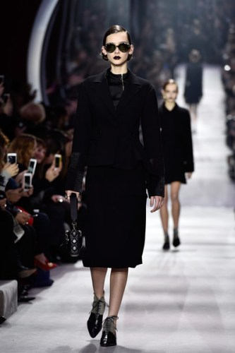 Christian+Dior+Runway+Paris+Fashion+Week+Womenswear+B2BRo__FHs1l