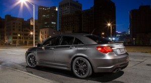 2013_chrysler_200_s_special_edition_side_rear-650x360