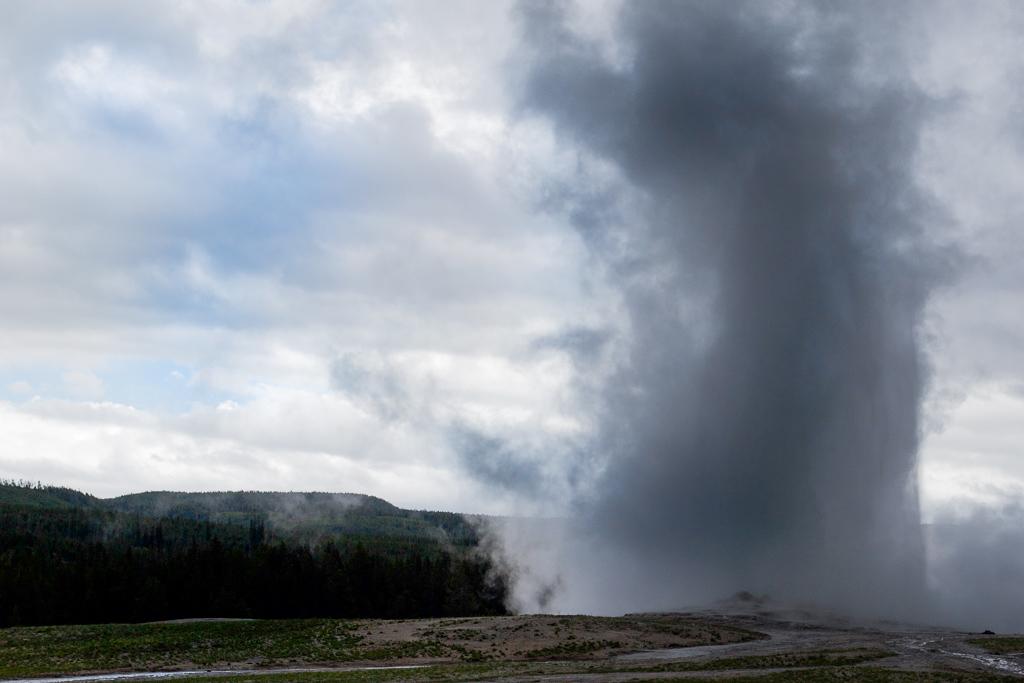 Old Faithful Geyser erupting, Yellowstone National Park