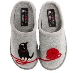 Haflinger cat slipper