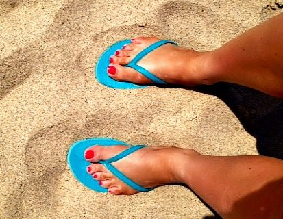 toes in the sand: Old Navy flip-flops