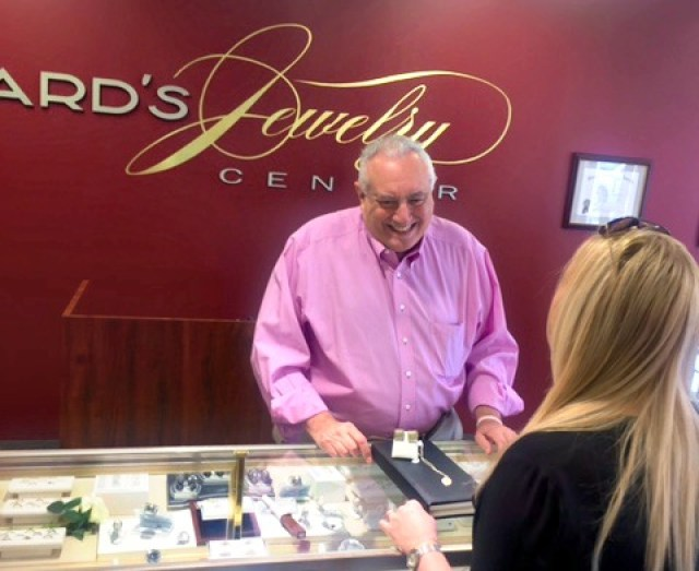 Million Dollar Diamond Event at Howard's Jewelers & GIVEAWAY : GlamKaren.com