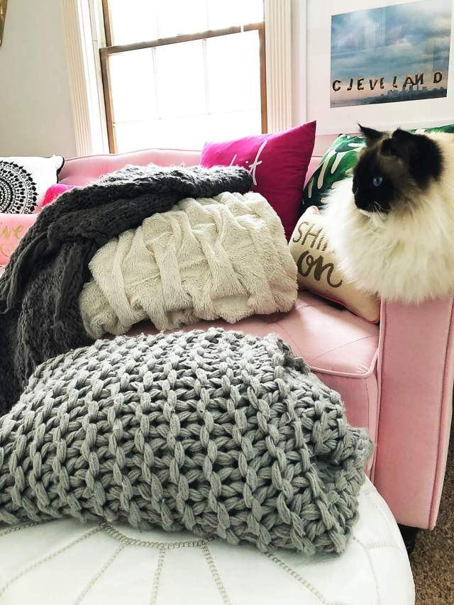 Snuggle Up with the Best & Coziest Blankets!