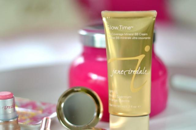 5-Minute Face with 5 Makeup Items for an Instant Summer Glow