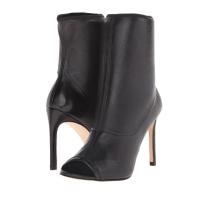 Kourtney Kardashian Wearing Stuart Weitzman Koko Boots