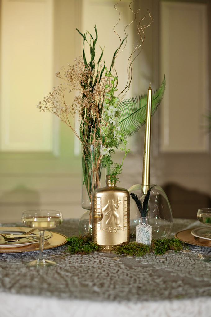 Emerald And Gold Art Deco Wedding Inspiration Glamour Amp Grace