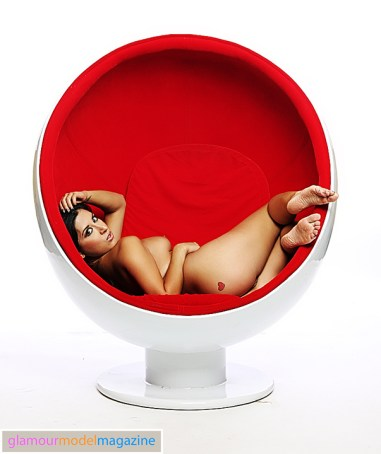 Denver Glamour Model Camila in the famous egg chair