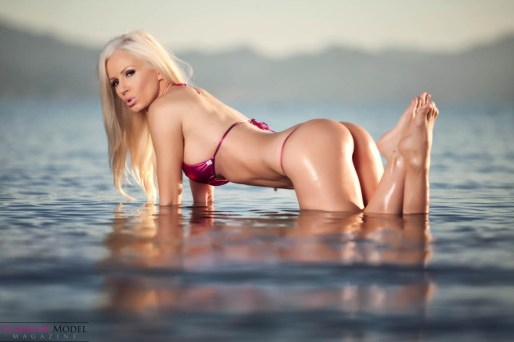 Brazilian knock out Ana Braga by Gary Miller Foto