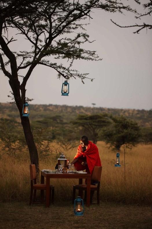 Naboisho-Camp-bush-dinner-staff-2