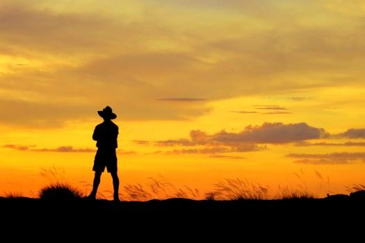 10 Outback sunset-HoneyTrek.com