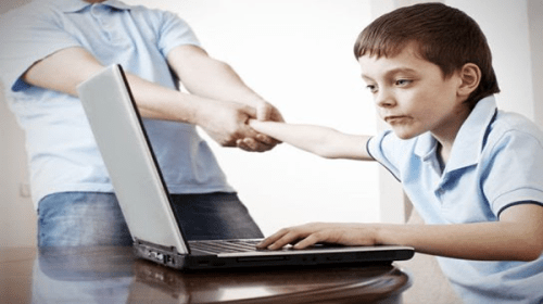 6 Signs Your Child Is A Tech Addict