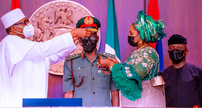 Decorates New Service Chiefs