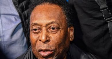 Pele Back In Intensive Care After Surgery