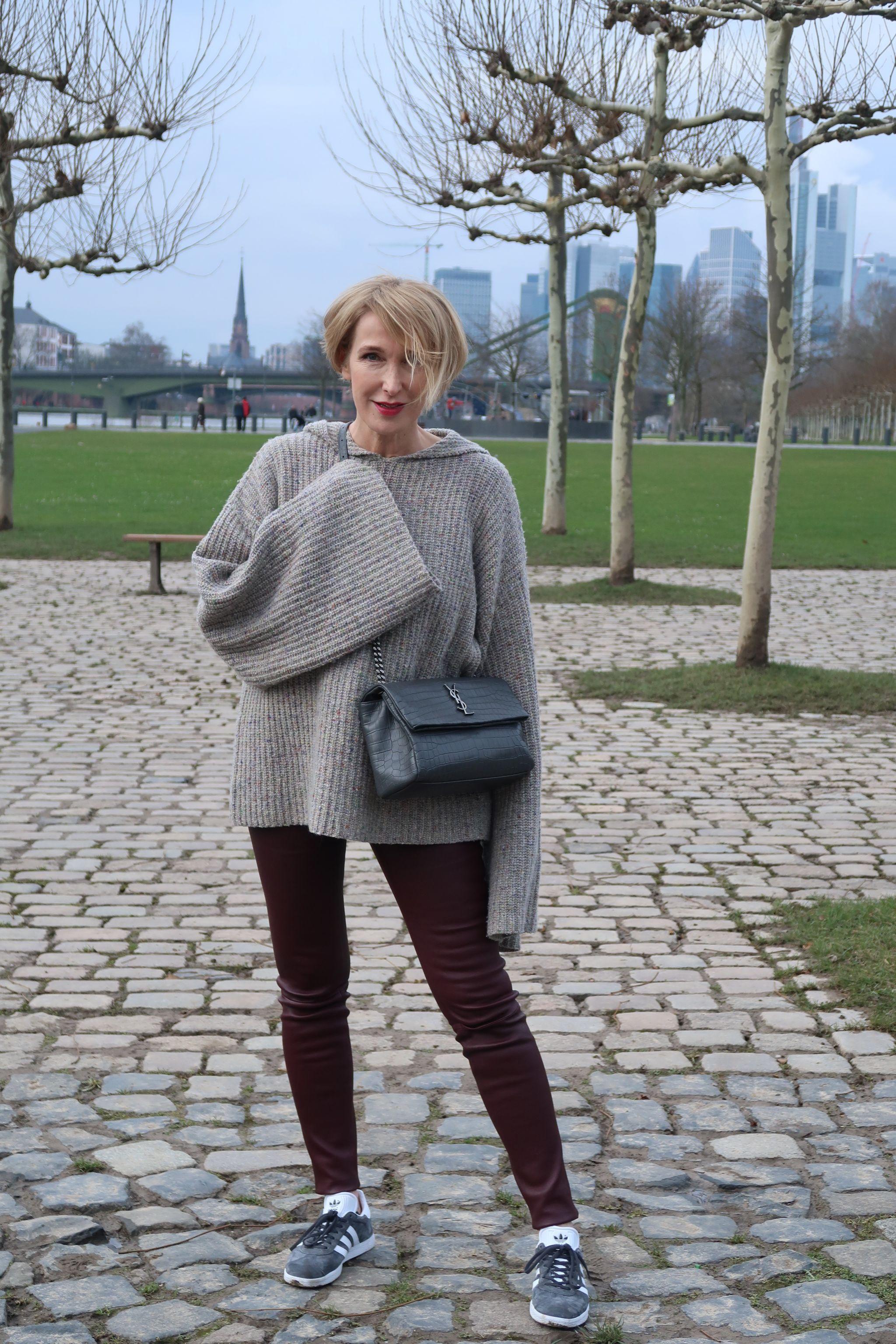 glamupyourlifestyle statement-Aermel Pullover Kaschmir allude-Cashmere lederleggings ue40-Mode ue40-Blog