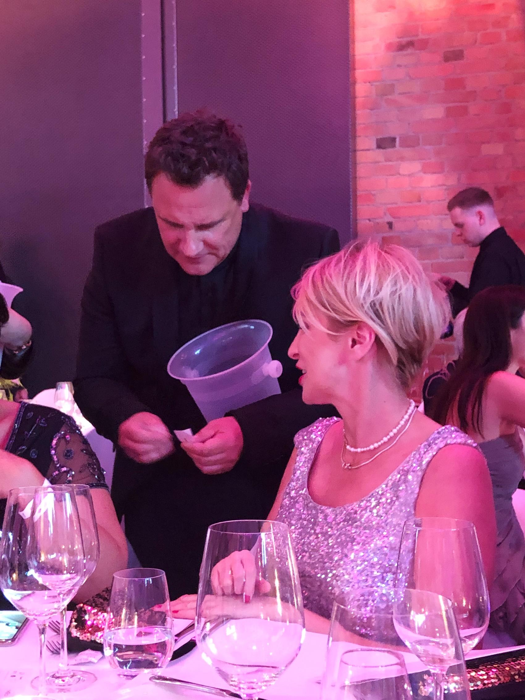 glamupyourlifestyle dresscode black-tie Abendkleid smoking Gala ball DKMS-Life ü-40-blog ü-50-blog ue-40-blog
