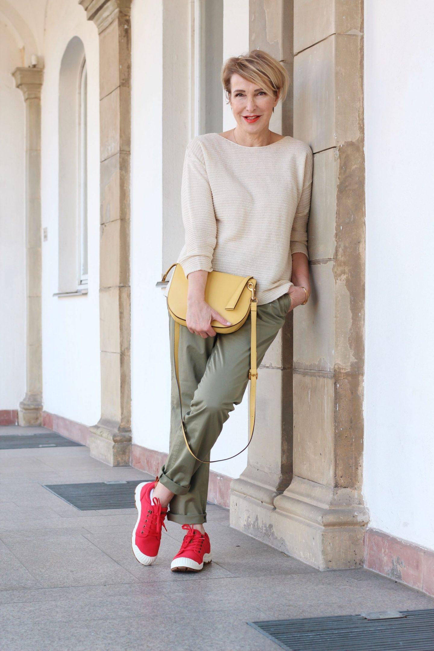 glamupyourlifestyle frühlingsmode British Chino-Hose ue-40-blog ue-50-blog ü-50-mode