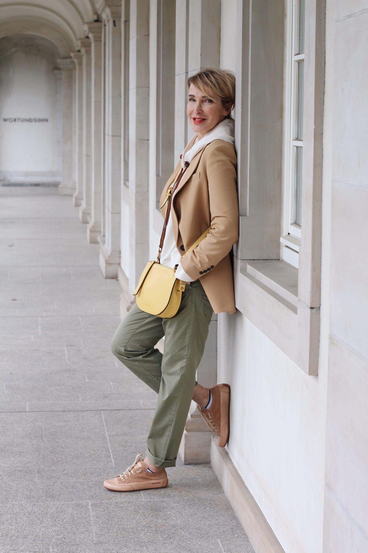 glamupyourlifestyle Chino Blazer Fruehlings-Outfit ue-40-blog ue-50-blog ue-50-mode