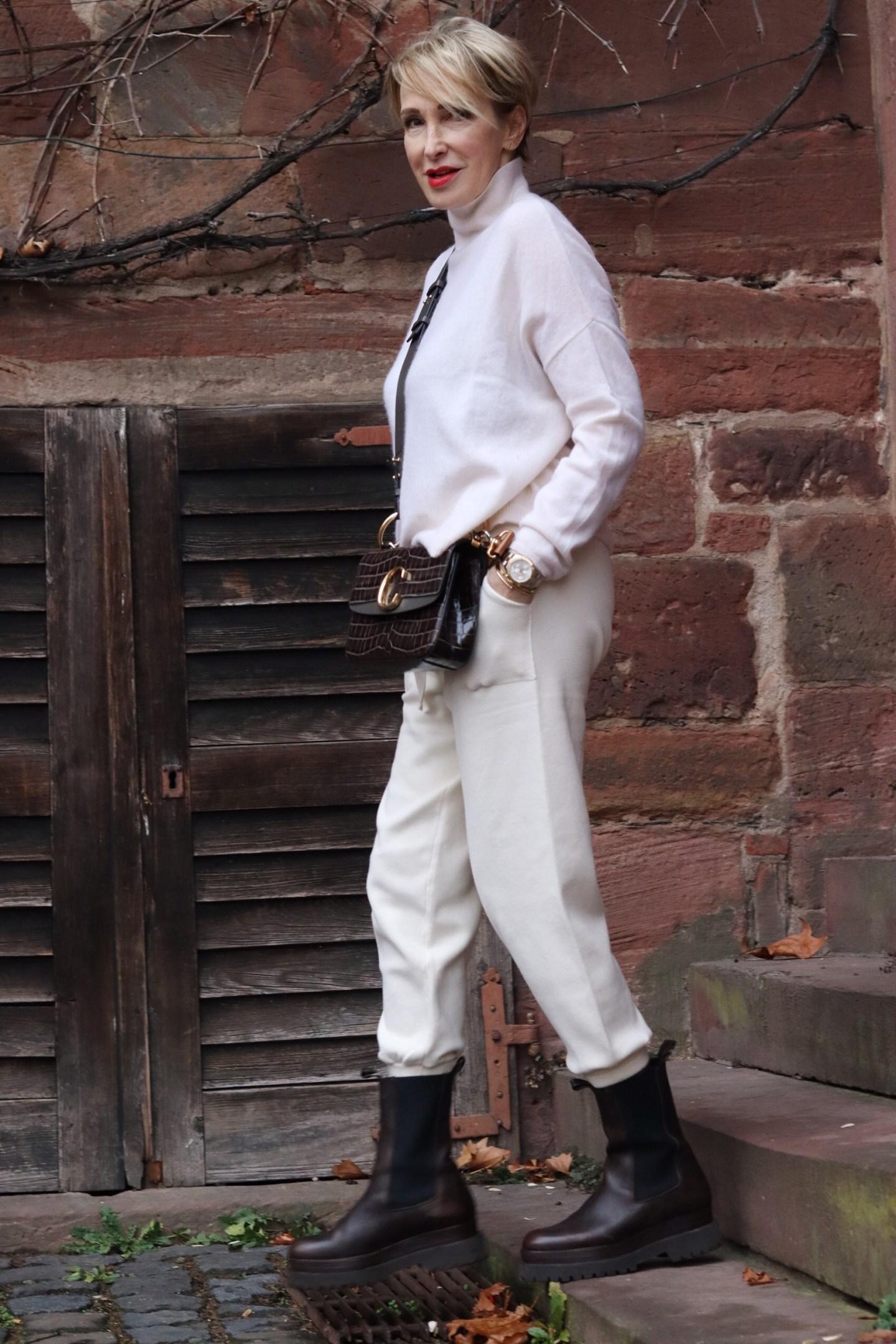 glamupyourlifestyle chunky-chelsea-boots monochrome ue-50-blog ue-40-blog