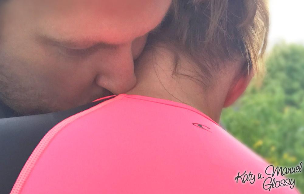 Manuel und Katy umarmung