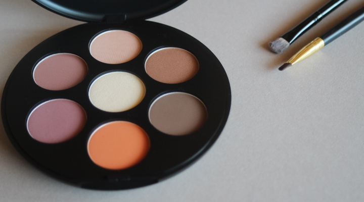 Inika Day to Night Eye Shadow Palette