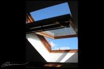 En levant les yeux... Exit. (Au-dessus de ma tête, Lyon, juin 2003.)