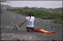 How to make a friend, step 2. (St-Michel-de-Bellechasse, Québec, juin 2008)