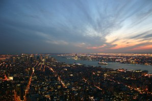 Manhattan et son coucher de soleil, bonus Queen Mary II (New York).