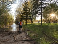 La fois où on a voulu aller en vélo dans un parc... inondé... (Châteauguay, Québec, mai 2017)