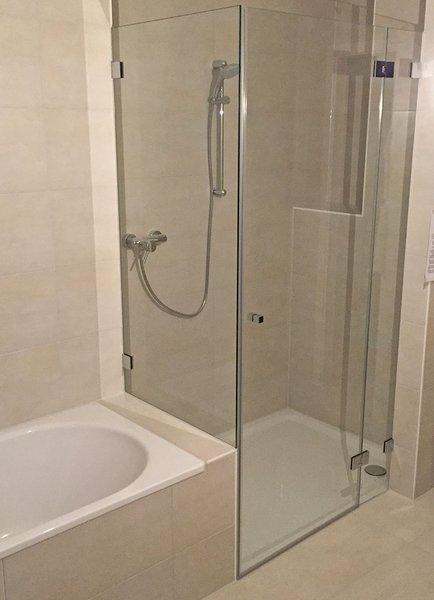 Duschkabinen  Duschabtrennung  Maanfertigung  Glaserei