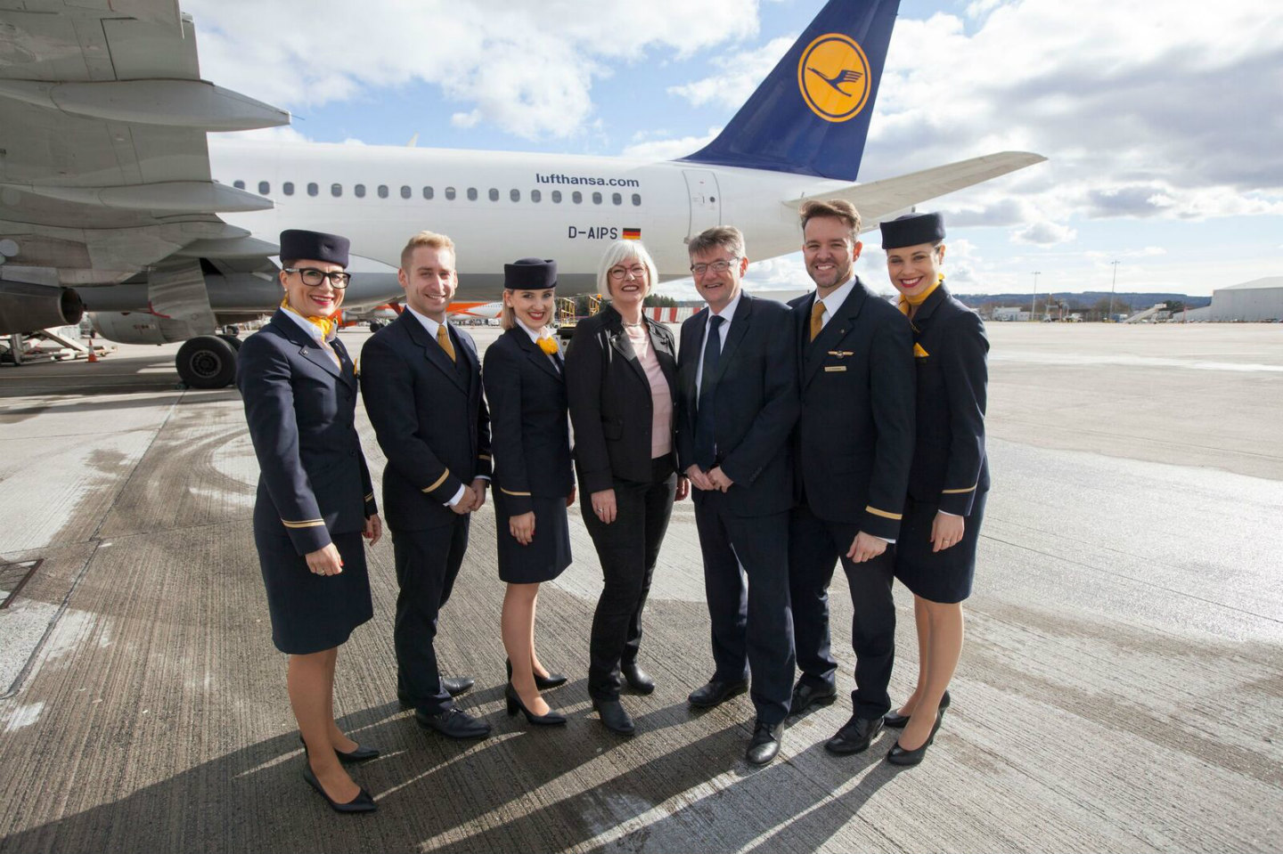 lufthansa has further expanded