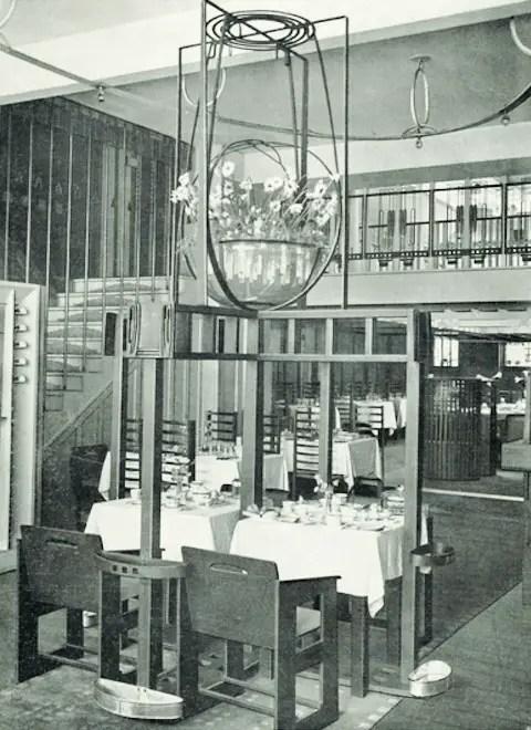 Willow Tea Rooms Glasgow baldaccino