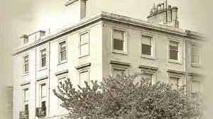 1 Newton Place, Glasgow