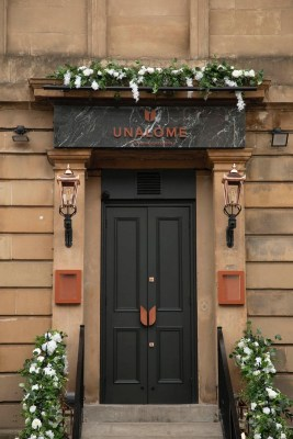 Unalome Finnieston restaurant Glasgow entry