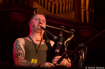 Dougie on pipes
