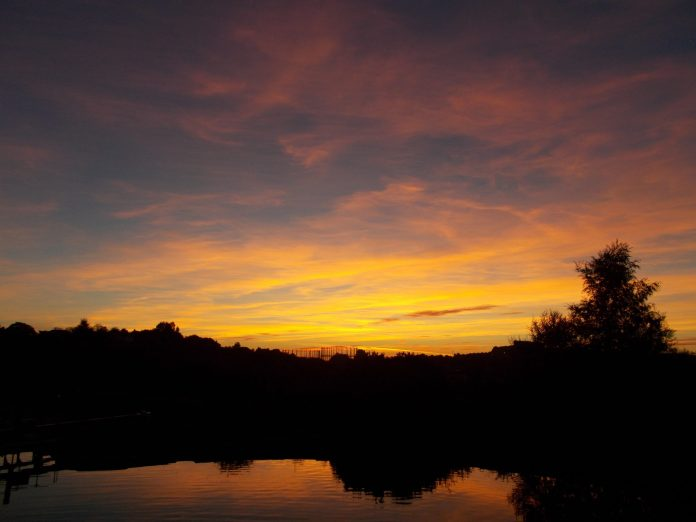 CANAL SUNSET 1 - COPYRIGHT GORDON McCRACKEN 2015