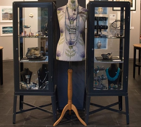 thistle jewellery display