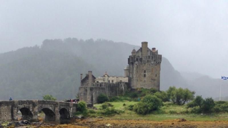 Eilean-Donan-Castle-qhgn