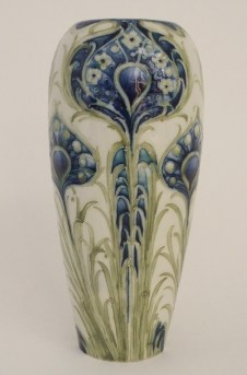 vase auction