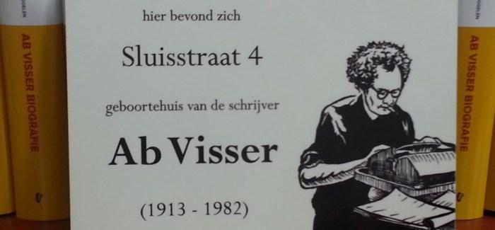 """Douwe van der Bijl: """"'De buurt' blijft voor alle generaties lezers interessant"""""""