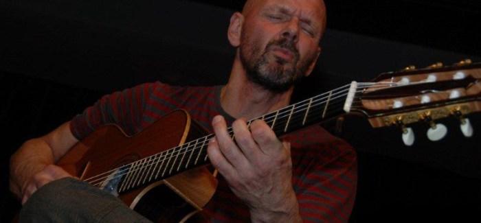"""Jan Kuiper: """"Live muziek bij yoga is net zoiets als een kus in het echt ."""""""