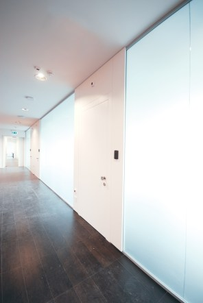 partition-wall-glass-office-partitions-sliding-doors-aluminium-interior-demountable-wooden-walls-internal-glazed-for-designer-MANIFATTURA-BERLUTI_31