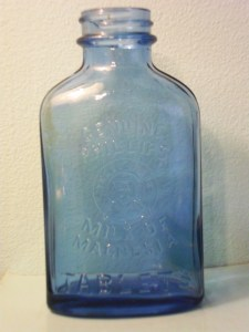 """Phillips Milk of Magnesia Tablets bottle, made by Hazel-Atlas. """"H over A"""" mark on base. This dates from sometime in the 1920s-1940s."""